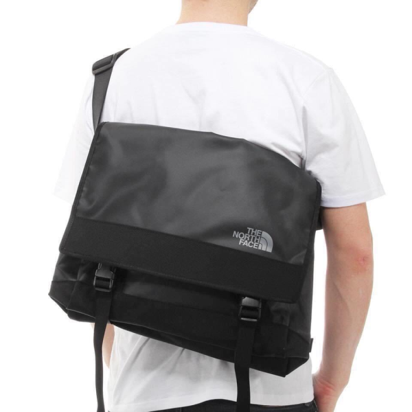THE NORTH FACE BASECAM MESSENGER