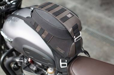 Legend Gear tank bag LT2. 5.5 l. Strap fastening
